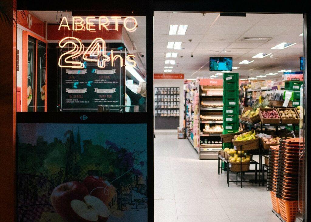 Zboží v obchodech je rozmístěno záměrně tak, aby zákazník při procházení obchodu nakoupil co nejvíce.