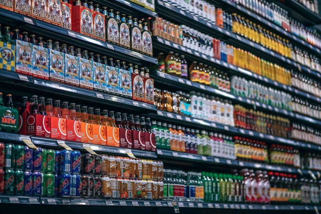 Pozor na uspořádání zboží v regálech - nové zboží se dává zásadně dozadu.