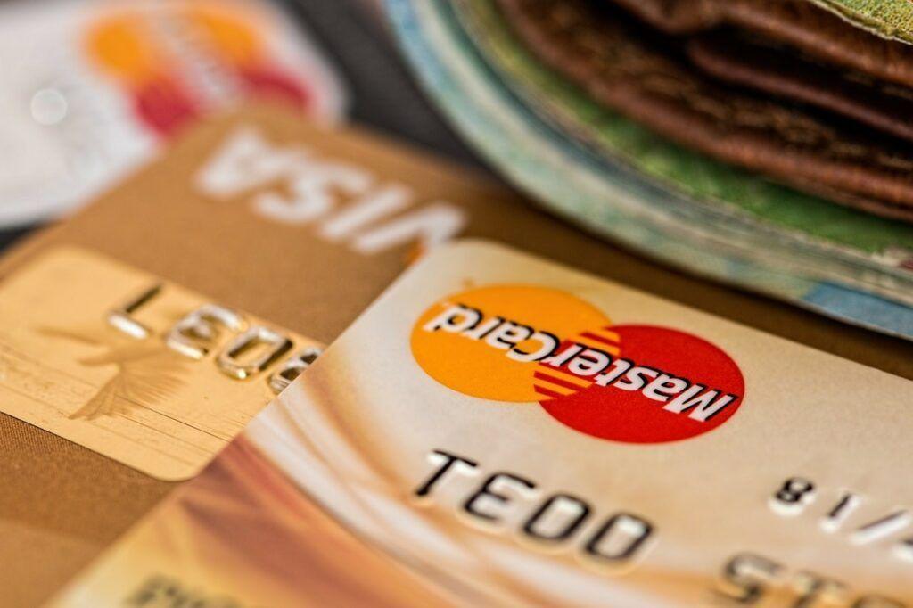 AliExpress nepodporuje platbu pomocí PayPal, a proto je nejvýhodnější platba kartou.