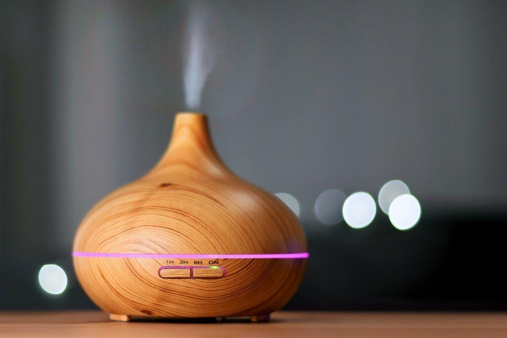 Aroma difuzér provoní celý interiér a navodí příjemnou domácí atmosféru.