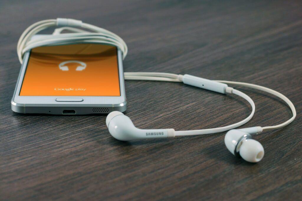 Součástí nabídky e-shopu TinyDeal je příslušenství k mobilním telefonům a tabletům značek Apple a Samsung.