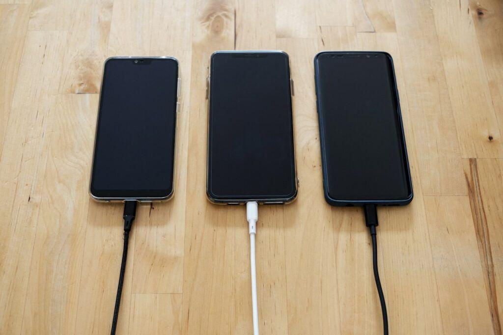 Levné mobily z Číny – recenze, vyplatí se?
