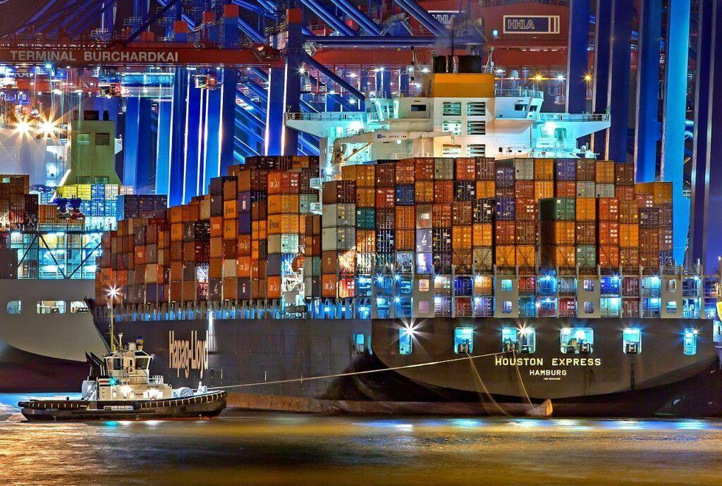 Zboží z Číny se doručuje až s měsíčním zpožděním